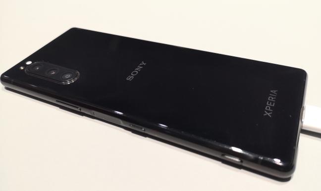 Spatele lui Sony Xperia 5