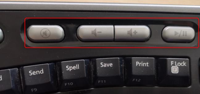 Butoanele multimedia de pe o tastatură
