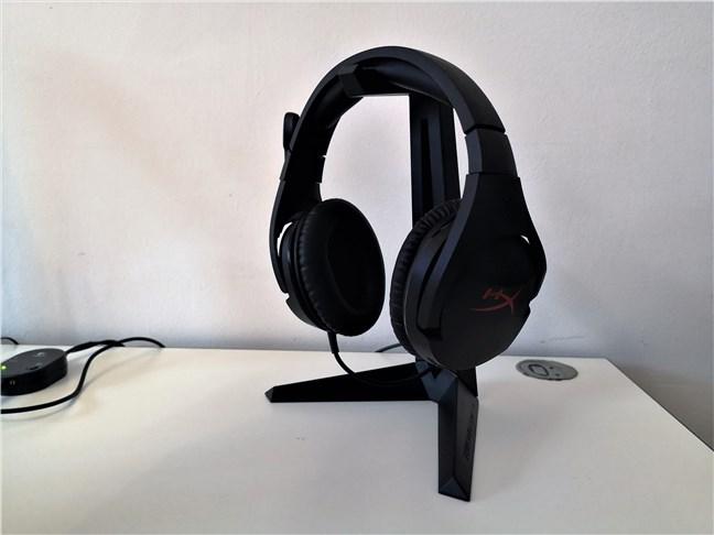 Cum arată Trust GXT 260 Cendor Headset Stand