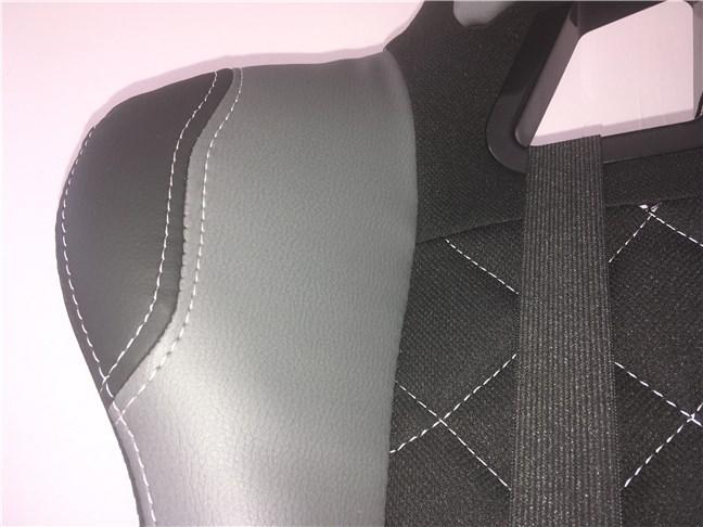 Inserții din piele artificială pe scaunul de gaming Trust GXT 707 Resto V2