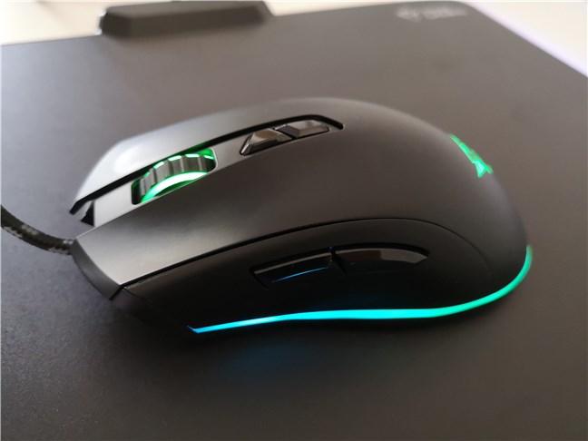 Butoanele laterale de pe mouse-ul de gaming Trust GXT 900 Qudos