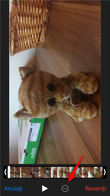 Apăsarea pe butonul de meniu din aplicația Poze