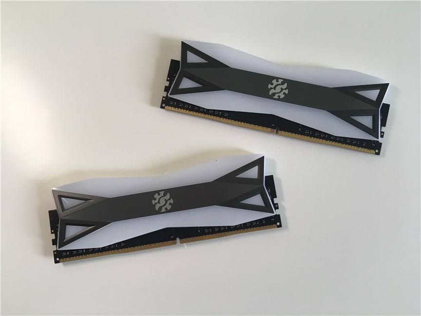 Modulele de memorie SPECTRIX D60G