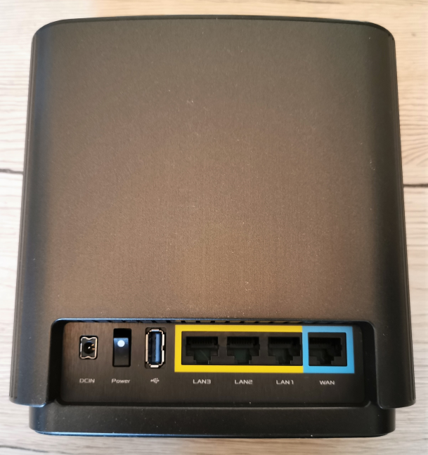 Porturile disponibile pe ASUS ZenWiFi AC (CT8)