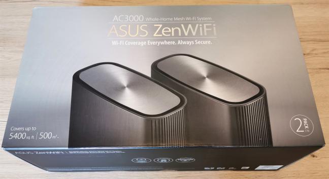 Cutia în care vine ASUS ZenWiFi AC3000
