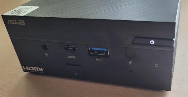 ASUS Mini PC PN62 nu adună mult praf și amprente