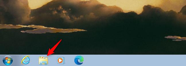 Folosește scurtătura Windows Explorer de pe bara de activități