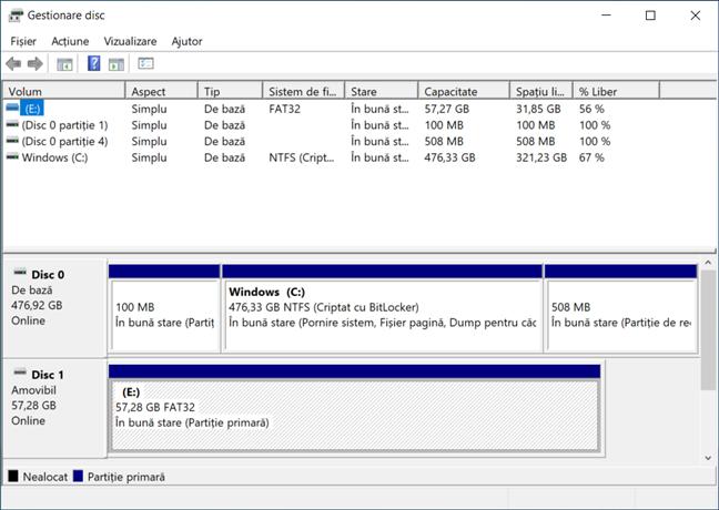 Găsește unitatea USB în Gestionare disc