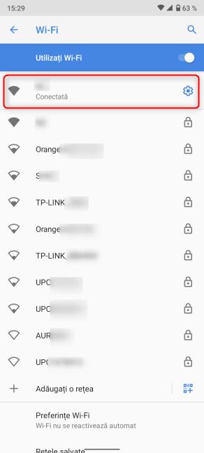 Apasă pe rotița dințată din dreptul conexiunii Wi-Fi