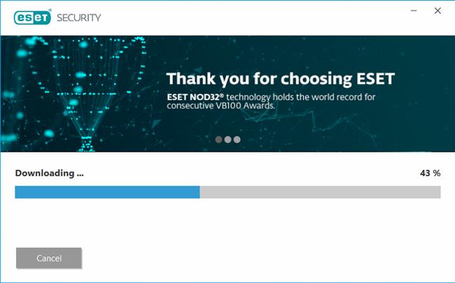 Expertul de instalare descarcă fișierele necesare pentru ESET NOD32 Antivirus