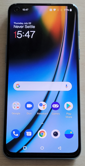 OnePlus Nord2 5G are un ecran AMOLED