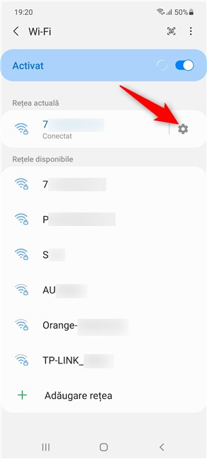 Apasă pe rotița dințată pentru a accesa detalii pentru rețeaua la care esți conectat(ă)