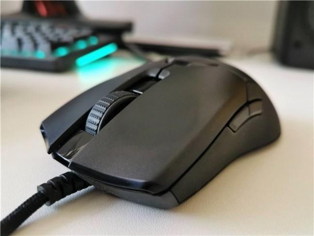 Razer Viper 8KHz este un mouse de gaming confortabil