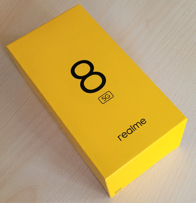 realme 8 5G vine într-o cutie elegantă