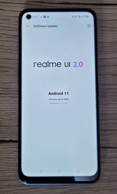 Telefonul vine cu Android 11 și realme UI 2.0