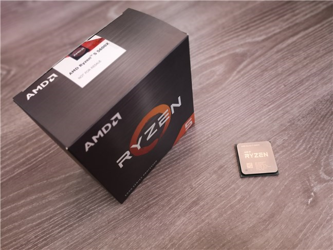 Despachetarea procesorului AMD Ryzen 5 5600X