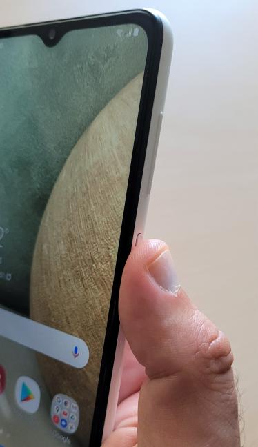 Senzorul de amprente de pe Samsung Galaxy A12