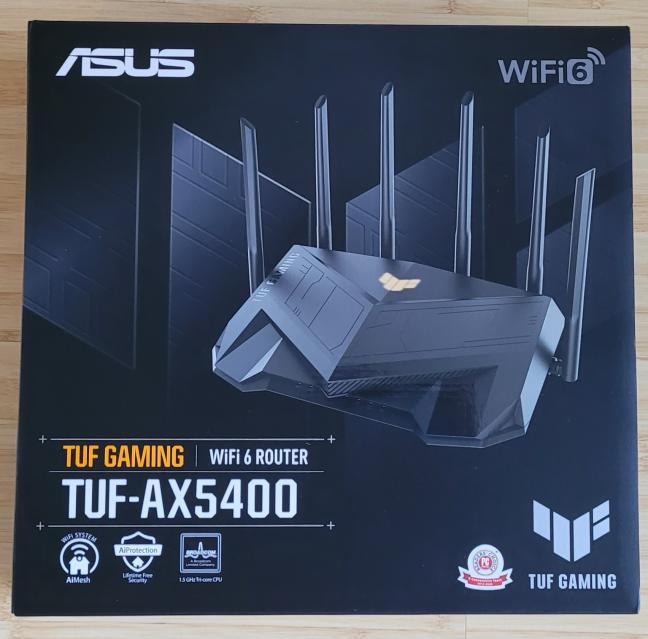 Cutia în care vine ASUS TUF-AX5400