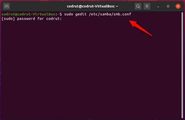 Executarea comenzii sudo gedit /etc/samba/smb.conf în Terminal