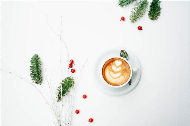 Cafeaua din dimineața de Crăciun, de Toa Heftiba