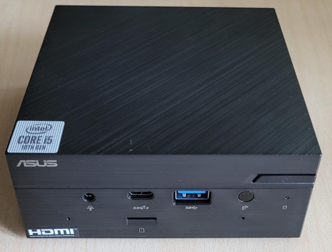ASUS Mini PC PN62 oferă suport pentru Wi-Fi 6
