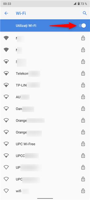 Asigură-te că ai activat comutatorul Utilizați Wi-Fi și conectează-te la rețeaua dorită