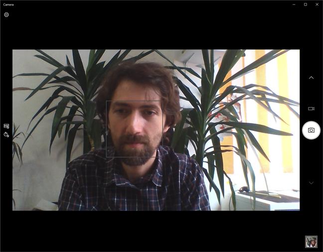 Testare webcam cu aplicația Cameră din Windows 10