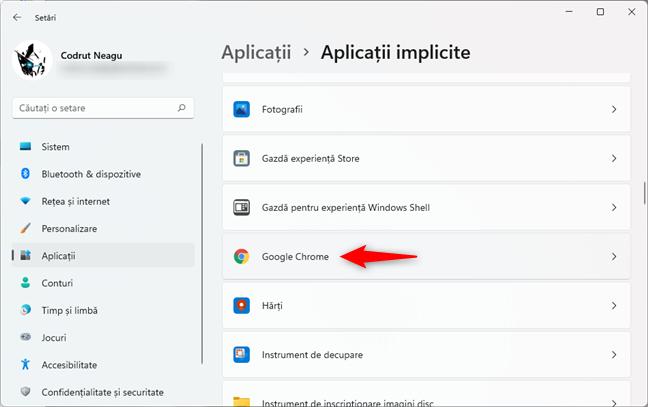 Derularea prin lista de aplicații pentru a găsi Google Chrome
