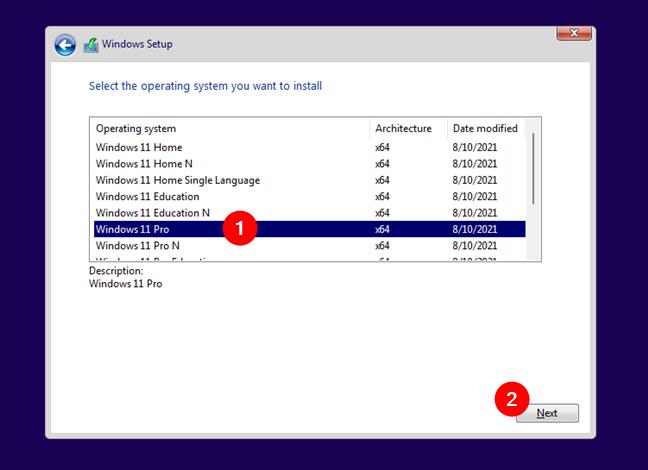 Selectează ediția de Windows 11 pe care vrei să o instalezi