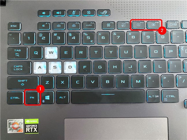 Cum modifici luminozitatea pe un ASUS ROG Strix G17 G713
